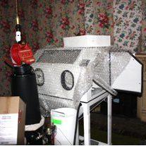 SCM sandcarving equipment with sandblasting cabinet.
